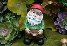 dirty gnomes - Bing images Concrete Statues, Concrete Garden, Gnome Statues, Garden Statues, Gnome Garden, Garden Art, Vegetable Planting Guide, Funny Gnomes, Rogers Gardens