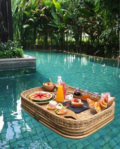 A floating breakfast in Bali at the Ritz Carlton! Drinks Tumblr, Places To Travel, Places To Go, Dream Vacations, Summer Vacations, Romantic Vacations, Vacation Travel, Italy Vacation, Romantic Travel
