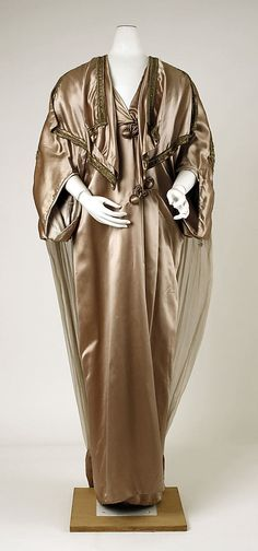 Silk evening coat, 1910