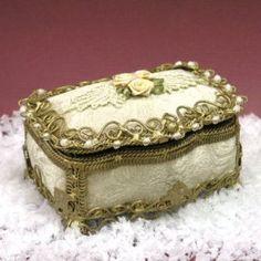 Vintage Jewelry Box Plastic Floral White Vanity Decor Trinket