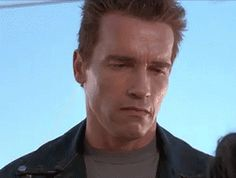 Watch this gif of Terminator smiling in a very fake and forced. The Terminator played by Arnold Schwarzenegger in the movie Terminator Judgment Day Arnold Schwarzenegger, Best Funny Pictures, Funny Images, Beste Gif, Animiertes Gif, Animated Gif, Long Jokes, Smile Gif, Fake Smile