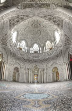 Abandoned castle in Italy. Castello di Sammezzano, province of Florence, Tuscany region of Italy. Romania The abandoned c. Beautiful Architecture, Beautiful Buildings, Art And Architecture, Beautiful Places, Beautiful Castles, Islamic Architecture, Abandoned Castles, Abandoned Mansions, Abandoned Places