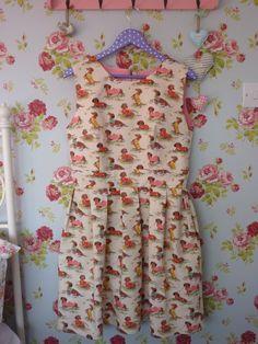 Handmade Cath Kidston sausage dog print dress using Gather Mortmain dress pattern Handmade Dresses, Cath Kidston, Sausage, Summer Dresses, Pattern, How To Make, Smile, Outfits, Inspiration