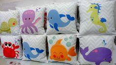 Almofadas personalizadas com tema bichinhos fundo do mar.