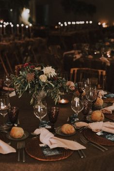 Le mariage espagnol de Sabela et René – La Sœur de la Mariée - Blog Mariage Marie, Table Decorations, Home Decor, Boho Wedding, Spanish Wedding, Industrial Wedding, Folk Dance, Decoration Home, Room Decor