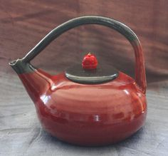 Ceramic hand built teapots and mugs inspired by nature by Elena Miller