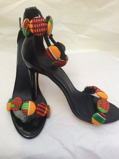 Image of Kente Print Button High Heel Image of Kente Print Button High Heel African Inspired Clothing, African Print Fashion, Africa Fashion, African Fashion Dresses, High Heels Images, African Fashion Traditional, Kente Dress, Style Africain, Beaded Shoes
