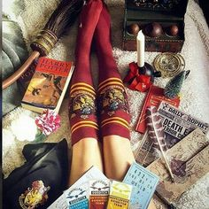 i would like this more if they were slytherin socks but ok Deco Harry Potter, Harry Potter Shop, Harry Potter Houses, Harry Potter Books, Harry Potter World, Harry Potter Hogwarts, Hogwarts Houses, Harry Potter Aesthetic, Fantastic Beasts