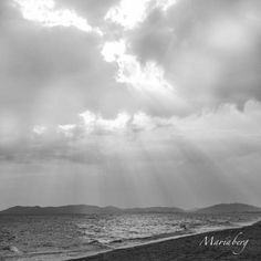 Sunshine coming through to you in black and white. The Outsiders, Sunshine, Clouds, Black And White, Nature, Outdoor, Outdoors, Naturaleza, Black N White