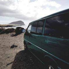 Desde Tenerife Yeremay se suma con su Vw T4!! Bienvenido al club!! FurgoClubVw.com  #vw #volkswagen #furgolover #minibus #combi #bulli #vwT1 #vwT2 #vwT3 #vwT4 #vwT5 #vwT6 #multivan #vanlife #camper #furgoclubvw #campervan #vwbus #vwcamper #van #vwlove #vwvan #hippievan #enfurgomolamas #vwcampervan #campervw #tenerife #furgovw #nosinmifurgo #camperlife