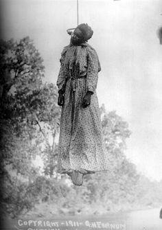 Black girl hung by white men