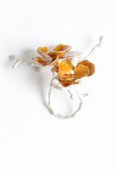 Sterling Silver with Enamel Flowers Ring by Kiki Tang 2015 ♥≻★≺♥ Enamel Jewelry, Metal Jewelry, Jewelry Art, Jewelry Rings, Silver Jewelry, Fine Jewelry, Jewelry Design, Flower Jewelry, Gold Jewellery