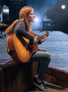 Bella Thorne Pulls A Taylor Swift In This Exclusive Clip From Midnight Sun http://r29.co/2Dl5woD