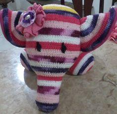 Boneco charmoso em crochê,enchimento fibra siliconada,anti-alérgico R$ 80,00
