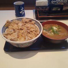 おいお前それじゃねーだろ 名古屋だったらモーニングだろ  米食べたかったのです