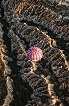 Take a ballon to Mars by Gu Mingsi on 500px