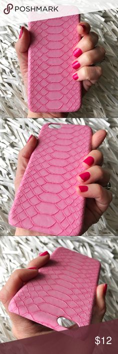 NEW iPhone 6/6s Crocodile Pattern Textured Case ▪️Fits iPhone 6 or 6s Models    ▪️Crocodile Skin Design     ▪️Great Textured Feel, Soft Backing To Protect Phone     ▪️FREE 9H Tempered Glass Screen Protector Included    ▪️Same or Next Business Day Shipping Accessories Phone Cases