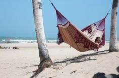 Aww yeah! The big and soft Brazilian Bossanova #Hammock http://hanging-around.com/products/family-hammock-bossanova-bordeaux #iwantit