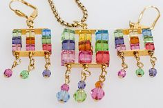 more DIY jewelery ideas and patterns!     (photo is Crystal Cubes Thrice Beaded Pendant Necklace from Beaded Necklaces Projects and Patterns)