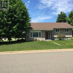 Open House this Saturday from 2-4 come see this gem in the heard of Dieppe New Brunswick, perfect for any family.