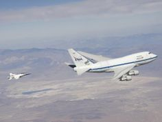 NASA's SOFIA infrared observatory and F/A-18 safety chase