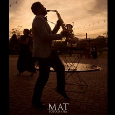 La tarde llega a #zonaellanogrande y la música se une al entorno, brindando momentos mágicos Foto @matfotografia Llámanos al 3106158616/ 3206750352 y reserva desde ya. #CasaBali #zonae #boda #BodasAlAireLibre #BodasCampestres #Eventos #weddingplannner