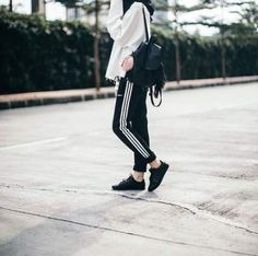 New style outfits hipster teen fashion Ideas – Hijab Fashion 2020 Sport Fashion, Teen Fashion, Fashion Outfits, Fashion Black, Fashion Edgy, Fashion Fall, Fashion Clothes, Style Fashion, Casual Hijab Outfit