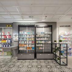 #diseñofarmacia #proyectofarmacia #decoraciónfarmacia #interiorismofarmacia #farmacia #inspiratufarmacia #diseño Divider, Room, Store, Furniture, Home Decor, Pharmacy Design, Houses, Engagement, Interiors