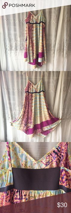 Simply Vera Dress Large Simply Vera , Vera Wang Dress Size Large  Excellent Used Condition, worn once for my sisters wedding. No problems that I can see.   Beautiful style and super comfy yet dressy dress.  From a smoke free pet free home Vera Wang Dresses