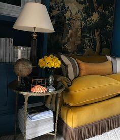 Nicole Fabre (@nicolefabredesigns) • Photos et vidéos Instagram Living Room Sofa, Living Room Interior, Living Room Decor, Living Rooms, Online Furniture, Home Furniture, Furniture Design, Sofa Upholstery, Sofa Sofa
