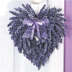 déco Saint Valentin et couronne en lavande