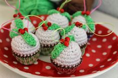 Free crochet pattern for ornaments