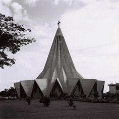 """Relembrando Lourenço Marques- """"A Igreja de Santo António da Polana, meados dos anos 60."""""""