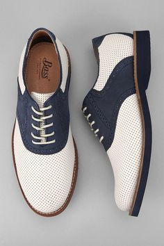 Boardwalk shoes: Bass Burlington Perf Shoe