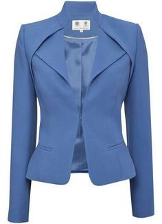 Cornflower Blue Jacket - New In - Austin ReedFor the high-powered businesswoman I'll never be.Light Blue Blazer / Only Me 💋💚💟💖✌✔👌💙💚 xoxoJacket with a nice necklineBeautiful detailing and color Mode Outfits, Office Outfits, Girl Outfits, Fashion Details, Fashion Design, Business Attire, Work Attire, Mode Inspiration, Mode Style