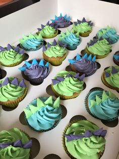 Related image Boy Birthday Cupcakes, Boys 2nd Birthday Party Ideas, 3 Year Old Birthday Party Boy, 3rd Birthday Party For Boy, Dinosaur First Birthday, Party Cupcakes, Fourth Birthday, Dinosaur Party, Baby Girl Birthday