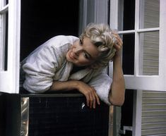 Marilyn photographed by Sam Shaw in September 1954 during The Seven Year Itch.