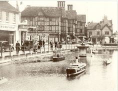 Wartime Streetscene(The Pond, The Parade), of War Weapons Week Display, May 1941 The Happy Prince, Watford, History Photos, Filming Locations, Town Hall, Pond, England, Museum, Explore