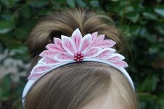 Headband Girls Crown Birthday Crown Girls by Kanzashi Flowers, Lace Flowers, Felt Flowers, Flowers In Hair, Fabric Flowers, Girls Tiara, Girls Crown, Diy Flower Crown, Diy Crown