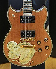 Yamaha Anniversary Carlos Santana Ltd Yamaha Acoustic Guitar, 12 String Acoustic Guitar, Acoustic Guitar Chords, Yamaha Guitars, Hamamatsu, Guitar Logo, Guitar Tattoo, Guitar Shop, Cool Guitar