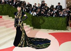 """Singer Katy Perry attends the """"Manus x Machina: Fashion In An Age Of Technology"""" Costume Institute Gala at Metropolitan Museum of Art on May 2, 2016 in New York City."""