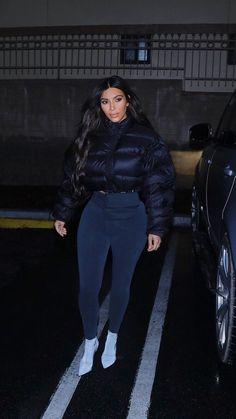 Stylish 36 Fascinating Kim Kardashian Lifestyle Ideas That You Need To Know Kim Kardashian, Kardashian Kollection, Streetwear Mode, Streetwear Fashion, Trendy Outfits, Cute Outfits, Fashion Outfits, Jean Outfits, Dress Outfits