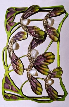 This is not contemporary - image from a gallery of vintage and/or antique objects. LEVINGER & BISSINGER Sycamore Choker Gilded silver Plique-à-jour Pearl