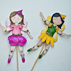If your daughter loves everything magical, then help her make these Fab Fairy Free Printable Paper Dolls. With bendable limbs, whimsical wings, and the ability to turn them into paper puppets, these printable paper dolls are not to be missed. Paper Doll Template, Paper Dolls Printable, Diy Clothes Patterns, Doll Patterns, Paper Puppets, Paper Toys, Felt Puppets, Paper Dolls Clothing, Puppets For Kids