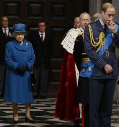 Królowa Elżbieta  oraz inni członkowie rodziny królewskiej wzięli udział w nabożeństwie w Katedrze Świętego Pawła w Londynie.  http://www.tvn24.pl/zdjecia/zdjecie-dnia,31565,lista.html