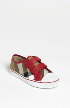 Gift Style: Burberry 'Pete' Sneaker (Baby, Walker, Toddler, Little Kid & Big Kid) for the parents who want to splurge. Fashion Kids, Little Girl Fashion, Toddler Fashion, Fashion Shoes, Baby Boy Outfits, Kids Outfits, Girls Shoes, Baby Shoes, Burberry Kids