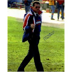Mike Ditka Autographed 'Giving the Finger' 16x20 Photo