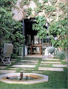 Villa di Lemma – restored by the great John Saladino as his personal estate in Montecito, CA. Designed by Wallace Frost in the 1920s Image via Cote De Texas.