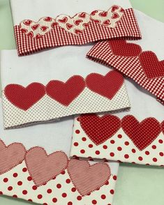 Quilting Projects, Sewing Projects, Dish Towel Crafts, Applique Towels, Baby Quilt Tutorials, Baby Sheets, Sewing Machine Embroidery, Table Runner And Placemats, Patch Quilt