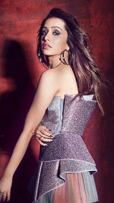 Mesmerizing Pictures Of Shraddha Kapoor – Indian actresses Bollywood Actress Hot Photos, Beautiful Bollywood Actress, Bollywood Celebrities, Bollywood Fashion, Indian Celebrities, Beautiful Girl Indian, Most Beautiful Indian Actress, Prettiest Actresses, Beautiful Actresses